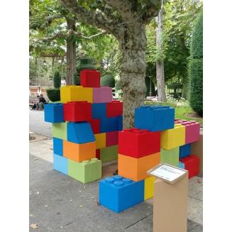 Lego gigante, ficticio.